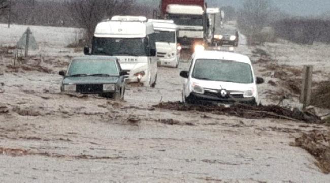 Tire-Belevi karayolu trafiğe kapandı