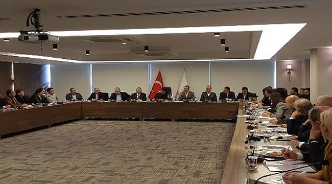 Zeybekci'den kritik toplantı
