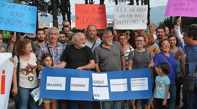 BERGAMALILAR BELEDİYENİN ALKOL YASAĞINI PROTESTO ETTİ