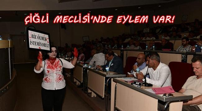MECLİS'TE EYLEM VAR!