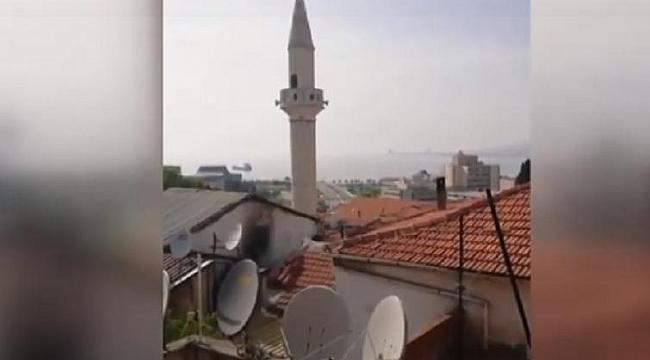İZMİR'DE BAZI CAMİLERDE ÇAV BELLA MARŞI ÇALINDI