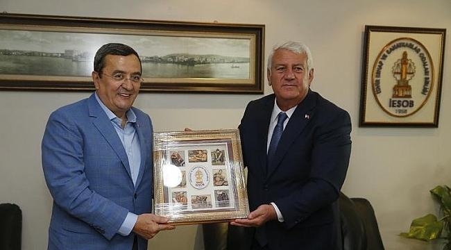 İZMİR ESNAFINDAN  BAŞKAN BATUR'A PANDEMİ TEŞEKKÜRÜ