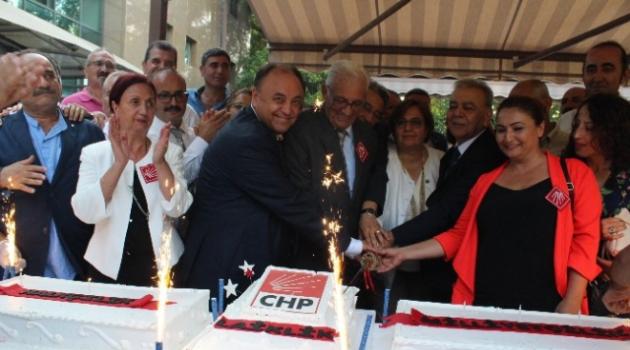 CHP'den Çifte Kutlama