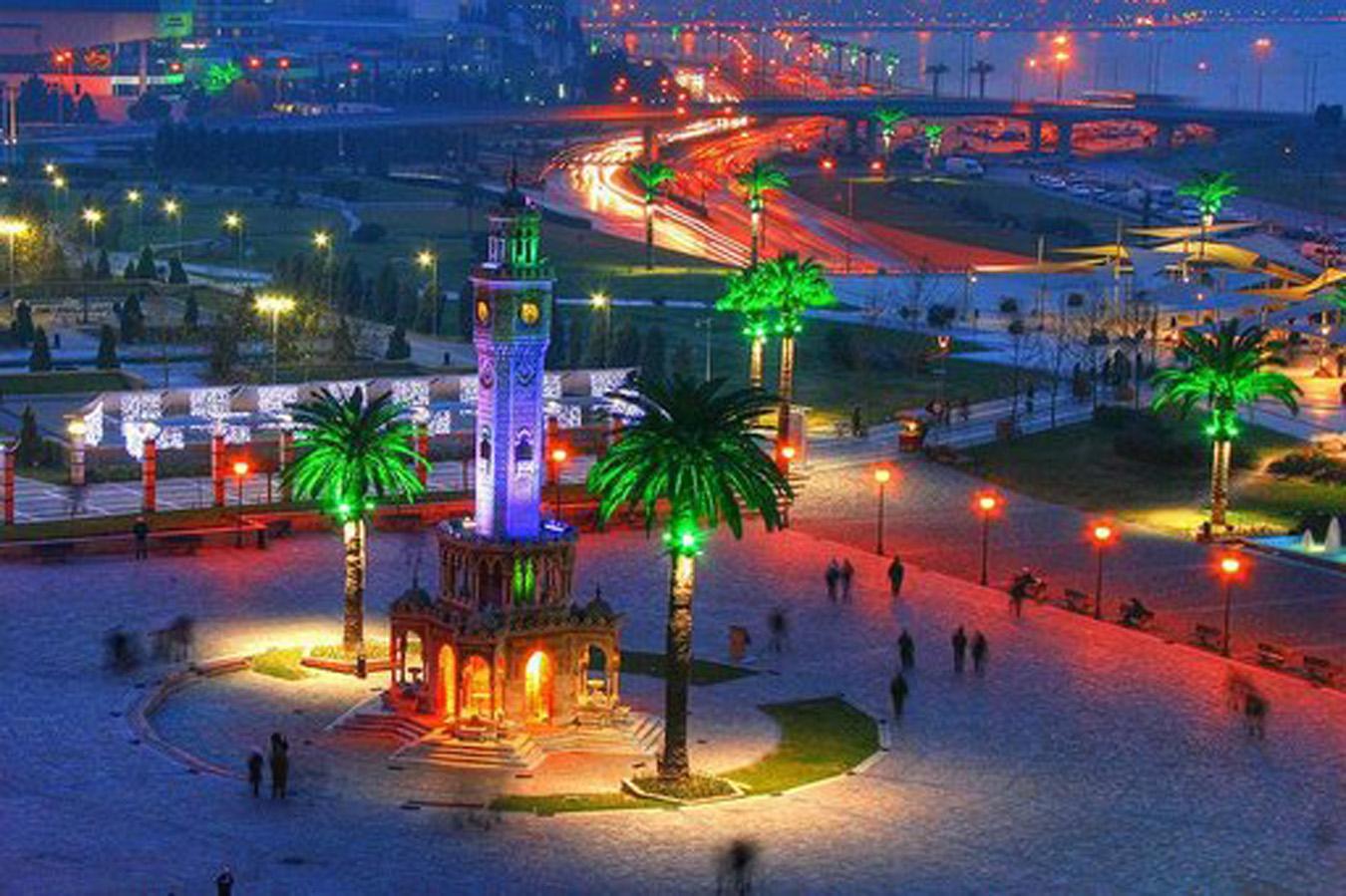İzmir'i yaşayın diye